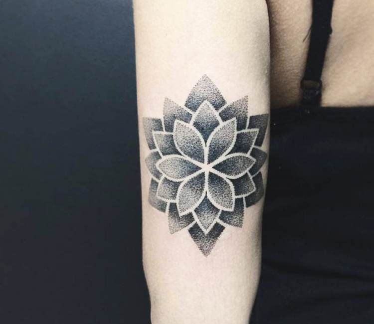 b17a9489828c9 black and gray mandala flower tattoo by kristie yuka