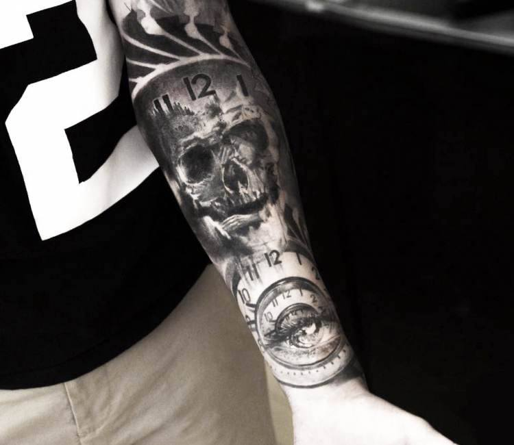 Black And Gray Clock And Skull Tattoos On Bicep: Skull And Clock Tattoo By Niki Norberg