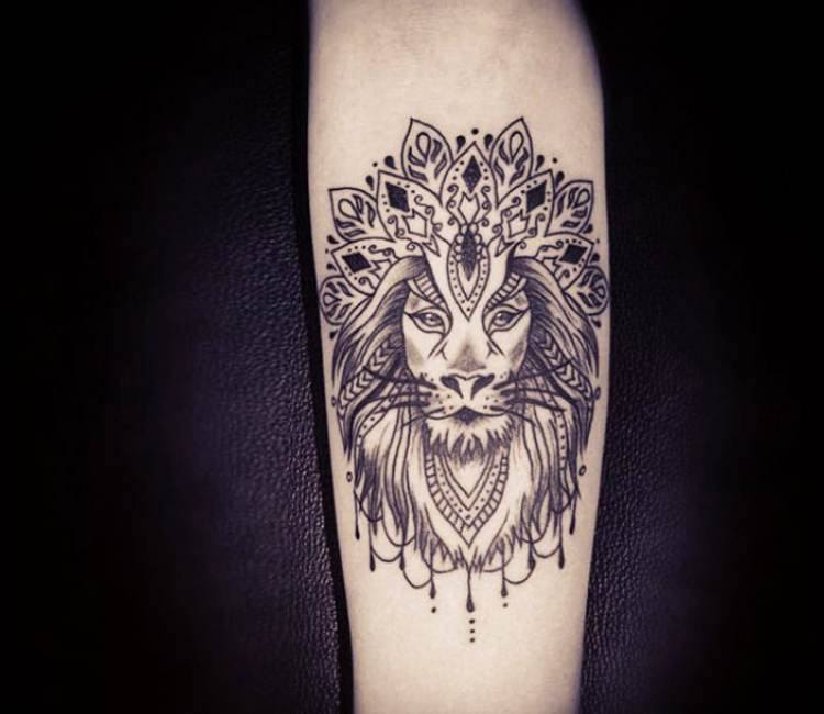 mandala lion tattoo by trudy lines tattoo post 15457. Black Bedroom Furniture Sets. Home Design Ideas